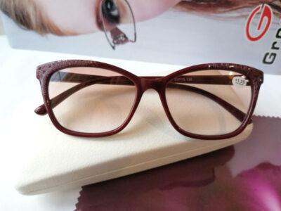 Женские тонированные очки 19120S-C2 в бордовом цвете